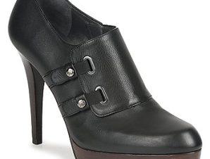 Μποτάκια/Low boots Stuart Weitzman TWO BUCKS